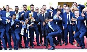 Dünya şampiyonu Fransa takımı evine döndü