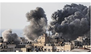 İsrail, Gazze'de kültür merkezi binasını vurdu