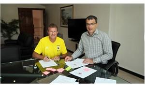 Fenerbahçe, Koeman ile sözleşme imzaladı