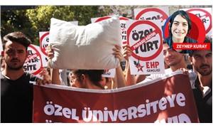 """Kadıköy'de, """"Yastık altında dolarımız, eğitime verecek paramız yok"""" eylemi"""