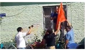 Muhtarlık binasına Sovyetler Birliği bayrağı asan köylüler gözaltına alındı