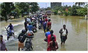 Muson yağmurları 400 kişinin canını aldı