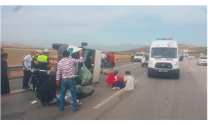 Antep'te işçilerini taşıyan minibüs devrildi: 8 yaralı