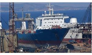 Foça'da denize petrol sızdıran gemiye giriş ve çıkışlar yasaklandı