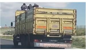 Ankara'da kamyonun tepesinde yolculuk ettiler