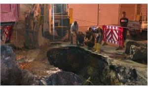 İstanbul Aksaray'da yol çöktü