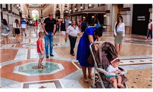 İtalya'da 'aileleri korumak' için Pazar günleri alışveriş merkezlerini kapama planı