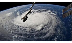 Florence kasırgasının cumartesi günü karaya ulaşması bekleniyor