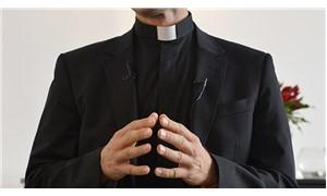 Şili'de Katolik Kilisesi'ne 'cinsel istismar' operasyonu