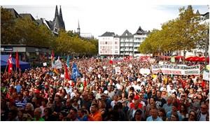 Almanya'da binlerce kişi ırkçılığa karşı yürüdü: Benim İçişleri Bakanım değil