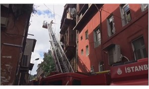 İstanbul'da ahşap binada yangın