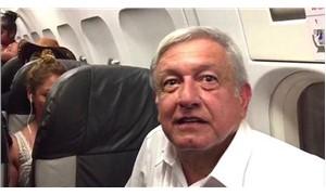 Meksika Devlet Başkanı seçilen Obrador tarifeli uçakta 3 saat bekledi