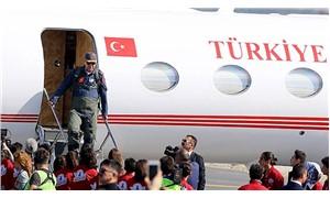 Erdoğan TEKNOFEST'e pilot tulumuyla geldi