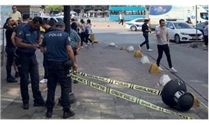 Kadıköy'de kafasına sokak lambası düşen adam yaralandı