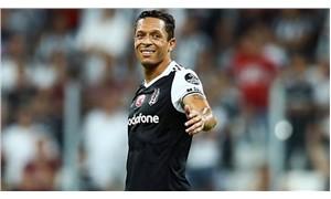 Beşiktaş'ta Adriano Fenerbahçe maçı kadrosuna alınmadı
