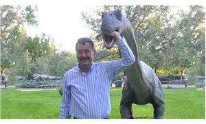 Melih Gökçek'in dinozorları Trabzon'a gönderildi