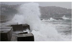 Karadeniz'i 'kestane karası fırtınası' vurdu