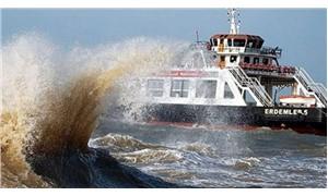 Gökçeada feribot seferlerine 'fırtına' engeli