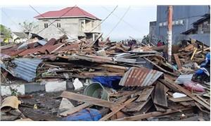 Endonezya'daki depremde ölenlerin sayısı 384'e yükseldi