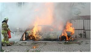 Otomobilde çıkan yangın doğal gaz panosunu patlattı