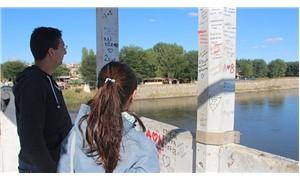 Tarihi Meriç Köprüsü'nde sprey boyalı vandalizm