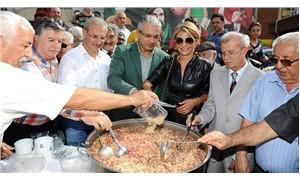 Karşıyaka Belediyesi geleneksel Aşure Günü etkinliğini düzenledi: 'Kim olursan ol, önce insan ol!'