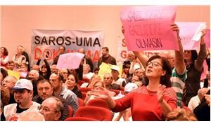 Saros'un talanı protesto edildi: Yetkililer salondan kaçtı