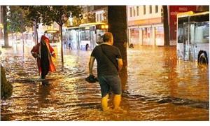 Denizli'de cadde ve sokaklar göle döndü