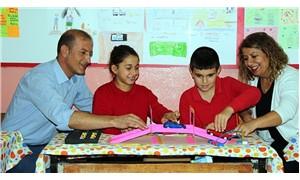 Köy okullarında bilim sevgisi