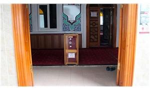 Cami girişine çelik kasa: Attığınız her kuruş melekler tarafından yazılmaktadır