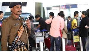 Hindistan'da havalimanı polisine talimat: Aşırı değil, yeteri kadar gülümseyin