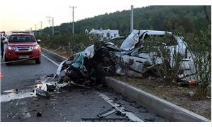 Bodrum'da işçi servisi ile otomobil çarpıştı: 2 ölü, 23 yaralı