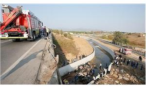 İzmir'de mültecileri taşıyan kamyon devrildi: 22 ölü