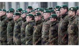 Almanya'da 199 aşırı sağcı ordudan ihraç edildi