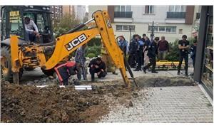 Beylikdüzü'nde toprak kayması: Bir işçi toprak altında kaldı