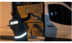 Çakarlı arabayla kaçakçılık yapan polis tutuklandı