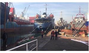 Tuzla'da tersanedeki bir gemide yangın
