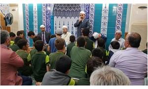 400 öğrenciye camide vaaz