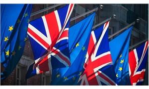 İngiltere'de Brexit depremi: 2 bakan istifa etti