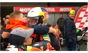 15 yaşındaki Can Öncü Moto GP kategorilerinde yarış kazanan en genç isim oldu