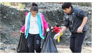Doğaseverler Karaçay Vadisi'nde çöp topladı