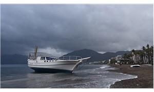 Marmaris'te sağanak yağmur 7 tekneyi batırdı