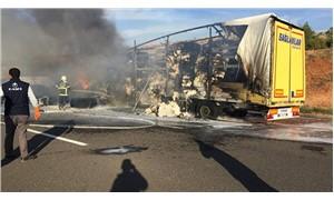 Kaza yapan TIR'daki pamuklar yandı