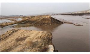 HES'in toprak seti yıkıldı, tarım arazileri sular altında kaldı
