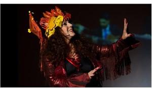 Derya Alabora, 'Efsane Kadın' ile sahnede