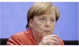 Yunanistan'da bir kadın Angela Merkel'e bomba göndermekten gözaltına alındı