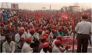 Hindistan'da çiftçilerden kredi borçlarının silinmesi için eylem