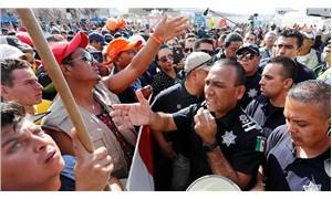 Binlerce göçmen ABD sınırında eylemdeydi: İzin verin geçelim