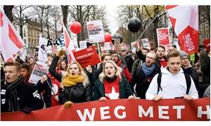 Hollanda'da öğrencilerden 'eğitim bursu' eylemi