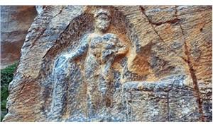 2 bin yıllık Herkül kabartmasına saldırı